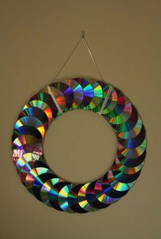 Recycling crafts with CDs the best upcycling ideas to decorate your home and garden Decoration Solutions is part of Cd diy Are you one of those who have tons of old CD and DVD discs You have long - Upcycled Crafts, Recycled Cds, Recycled Garden, Crafts With Cds, Old Cd Crafts, Diy Home Crafts, Diy With Cds, Arts And Crafts, Cd Diy