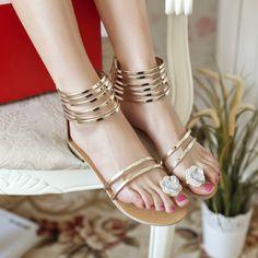 flasch sandalen römische sandalen goldene sandalen