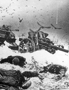 Убитые немецкие солдаты и брошенная немецкая артиллерия под Москвой