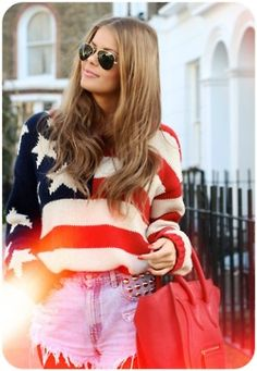I love this knitted american flag sweater. It looks like great quality. Look Fashion, Fashion Beauty, Fashion Outfits, Girl Fashion, Fashion Shorts, Stripes Fashion, Blue Fashion, Looks Style, My Style