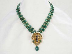 plain and simple bead necklace India Jewelry, Emerald Jewelry, Bead Jewellery, Temple Jewellery, Jewelery, Emerald Necklace, Simple Jewelry, Jewelry Patterns, Necklace Designs
