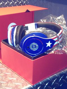 Special Edition Beats by Dr.Dre in Puerto Rican Flag?!? WANT!!!