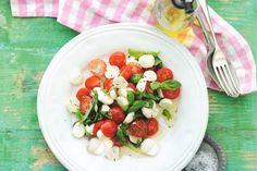 19 mei - Cherrytomaten in de bonus - Zo simpel en zo lekker, Italiaanse salade a la minute - Salade caprese - Recept - Allerhande
