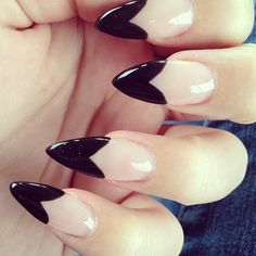 As the trend is increasing rapidly, women who are crazy for nail designs on regular intervals are planning to try easy stiletto nails designs and Ideas Pointy Nails, Nude Nails, Black Nails, Neutral Nails, Black Polish, White Nails, Nails Polish, Gel Nails, Acrylic Nails