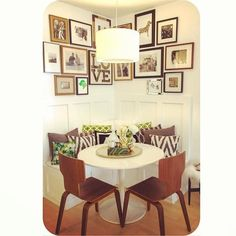 So cute & chic for small dining space. Love the seating arrangement Decor, Sweet Home, Interior, Dining Nook, Dining Room Small, Home Decor, House Interior, Apartment Decor, Home Deco