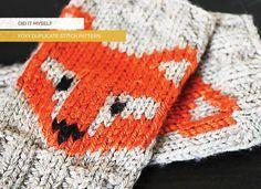 A foxy knit duplicate stitch pattern. Baby Patterns, Stitch Patterns, Knitting Patterns, Fingerless Gloves Knitted, Knit Mittens, Knitting Wool, Free Knitting, Learn To Crochet, Knit Crochet