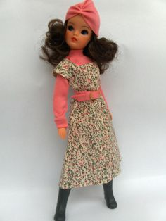 I have the dress, now I'm hunting for the turban, belt and top! Photo from Sindy Our Pedigree Girl Of The 60's