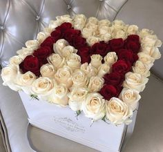 You can never go wrong with a box of classic fresh roses in a box at JLF Los Angeles boutique. Flower Box Gift, Flower Boxes, My Flower, Beautiful Roses, Beautiful Flowers, Bouquet Cadeau, Arreglos Ikebana, Rosen Box, Flower Letters