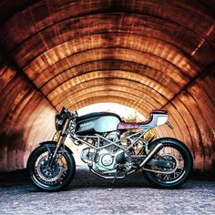 Tunnel vision Ducati Monster built by the cats over at @wrench_n_wheels. What a stunner boys! #dropmoto #ducati #monster Curated from @dropmoto #caferacer #caferacerxxx #caferacerporn #caferacersofinstagram #caferacerculture