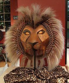 Help Making Lion King on Broadway-Esc Mask. Simba Rey Leon, Simba And Nala, Lion King Play, Lion King Simba, Lion King Musical, Lion King Broadway, Comedy Tragedy Masks, Lion King Costume, Drama Masks