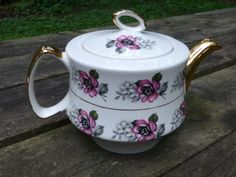 Hey, I found this really awesome Etsy listing at https://www.etsy.com/listing/156889187/vintage-gibsons-english-tea-pot-pink
