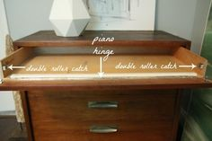 hinge drawer - uses piano hinges but much smaller drawer front than ours Diy Drawers, Desk With Drawers, Chest Of Drawers, Furniture Makeover, Diy Furniture, Furniture Stores, Furniture Outlet, Furniture Repair, Rattan Furniture