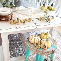 Coming next week...a Fall dining room and table setting. Although the weather here feels like summer, I'm using natural items to make the inside feel like autumn. Enjoy your Friday! #autumn #diningtable #fallhomedecor #farmhouse #farmhousestyle #pumpkin #naturalfall #homedesign #homedecor #beckycunninghamhome #countrylivingmag #countryliving #home #fall