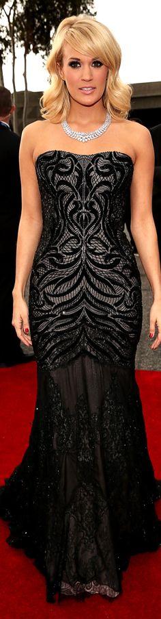 red carpet fashion dress #strapless #black