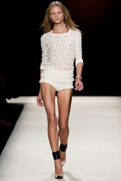 Isabel Marant Spring 2011 Ready-to-Wear Fashion Show - Anna Selezneva (SILENT)