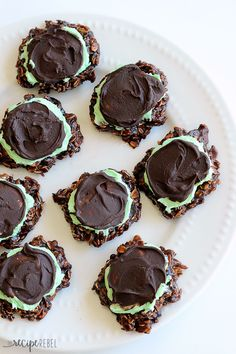 Fudgy Mint Chocolate No-Bake Cookies: Classic chocolate no-bake ...