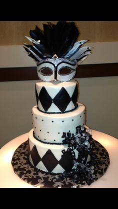Black and White Masquerade cake done by Aprill Hudson at Sweet Tooth.