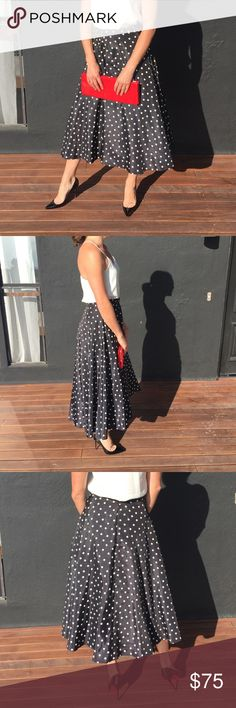 Vintage Circle Skirt & Vintage Red Clutch Another one of my all time faves ❤   ✨Waist 14 1/2 & Length 42  ✨Includes clutch & matches red bottom shoes quite well 😉 ✨Fits size 6/8 Skirts Midi