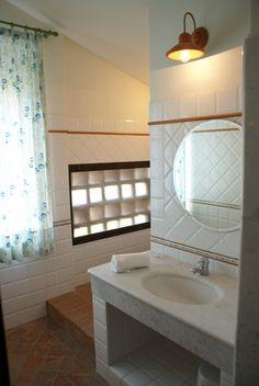 Luxury equipped bathroom Corner Bathtub, Tuscany, Vacation, Bathroom, Luxury, Home, Ideas, Washroom, Vacations