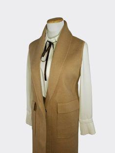 Beautiful sleeveless Long Coat ideal for spring and fall. Sleeveless Coat, Spring And Fall, Everyday Outfits, Wool Blend, Blazer, Stylish, Jackets, Beautiful, Collection
