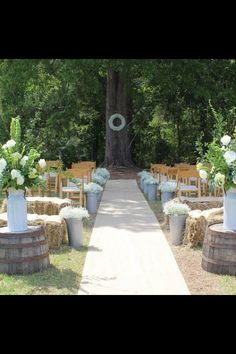 Farm wedding styling I love!