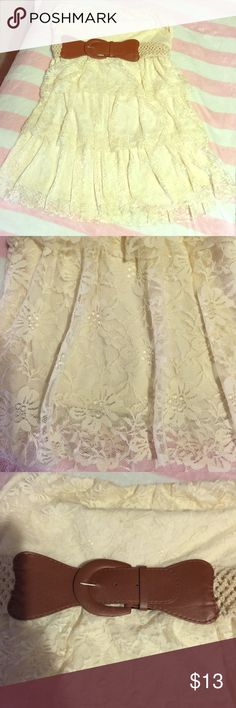 Lace Tea Party Dress Beautiful above the knee lace tea party dress. Can be dressed up or down, for a wedding, night on the town, a nice little tea party, or just to hangout with friends. Very cute on! Rue 21 Dresses Strapless