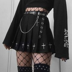 Pleated gothic women skirts / A-line black mini skirt alternative outfits / Rock chick clothes - Vestidos Aesthetic Grunge Outfit, Aesthetic Clothes, Aesthetic Black, Spring Aesthetic, Goth Aesthetic, Aesthetic Makeup, Japanese Aesthetic, Aesthetic Vintage, Aesthetic Fashion