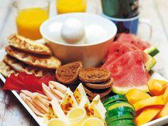 Aamiaistarjotin http://www.yhteishyva.fi/ruoka-ja-reseptit/reseptit/aamiaistarjotin/012851