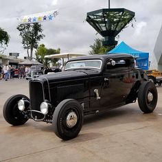 Living The Highboy Life Vintage Cars, Antique Cars, 1932 Ford, Vintage Vibes, Street Rods, Custom Cars, Best Sellers, Hot Rods, Have Fun