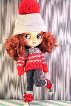 Blythe panenka vystrojila svetr a klobouk OOAK o