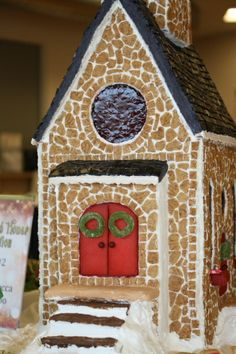 gingerbread churches pictures | Gingerbread Church | Gingerbread & Candy Houses