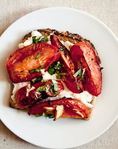 Roasted Tomato Tartine - 12 Open-Faced Sandwiches to Solve the Lunch Question — Recipes from The Kitchn Tartine Recipe, Open Faced Sandwich, Roasted Tomatoes, Summer Recipes, Avocado Toast, Main Dishes, Favorite Recipes, Stuffed Peppers, Healthy Recipes