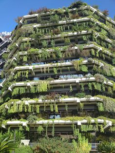 Green building in Barcelona, Spain. Fantastic way to have life surrounding one even in a city. Love it