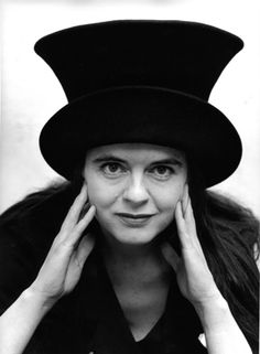 Amélie Nothomb   Plu