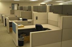 Image from http://www.commercialofficefurniture.org/wp-content/uploads/2011/09/Contemporary-Office-Decor.jpg.