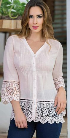Charming Plus Size Blouses from 32 of the Fresh Plus Size Blouses collection is the most trending fashion outfit this winter. This Plus Size Blouses look related to cardigan, blouse, lace and was carefully discovered by our fashion designers and def Blouse Styles, Blouse Designs, Modest Fashion, Fashion Dresses, Elegant Outfit, Trendy Tops, Mode Outfits, Plus Size Blouses, Daily Fashion