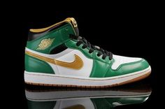 san francisco 13d82 5d1d4 Nike Air Jordan 1 Retro High OG Mens Shoes Clover   Metallic Gold   White    Black All kinds of Cheap Nike Shoes are provided in Nike store with  superior ...