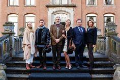 De cast van de nieuwe film: Familieweekend.   Met Jelka van Houten, Tim Haars, Derek de Lint, Jennifer Hoffman, Dirk Zeelenberg en Cynthia Abma.  Deze feelgood komedie verschijnt begin 2016 in de bioscoop.