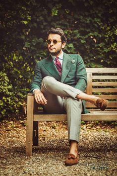 #TheBespokeDudes wearing #CRAN Honey Frame with Bottle Green Lenses www.thebespokedud... #fabioattanasio #thebespokedudeseyewear #tie #suitup #sunglasses #occhialidasole #dapper #style #menswear #lunettes #gafasdesol #gentleman #ÓculosdeSol #Milano