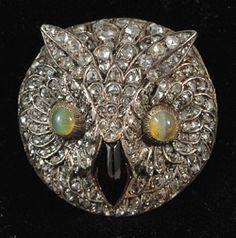 French rose diamond garnet and chrysoberyl rare Owl head booch amazing piece of jewellery 1880c