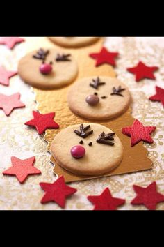 Sablés Rennes de Noël Shortbread Christmas Reindeer – Shortbread Christmas for the holidays with children Christmas Goodies, Christmas Desserts, Christmas Treats, Christmas Time, Reindeer Christmas, Christmas Decorations, Xmas Food, Christmas Cooking, Reindeer Biscuits