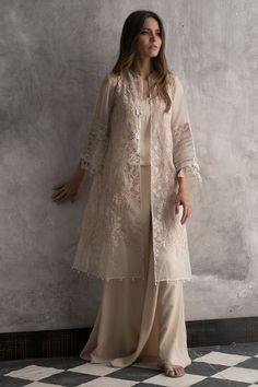 Welcome to Nida Azwer shop! Buy all ladies new arrivals collection from our store. Our collection exclusively also available online. Pakistani Fashion Party Wear, Pakistani Dresses Casual, Indian Fashion Dresses, Indian Bridal Fashion, Pakistani Bridal Dresses, Dress Indian Style, Pakistani Dress Design, Indian Designer Outfits, Designer Dresses