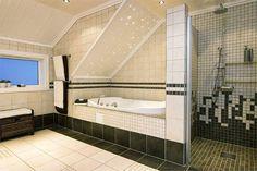 Både badekar og dusjnisje - klar til bruk!