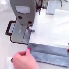 Found this tutorial useful? Please like and tag a friend. Sewing Basics, Sewing For Beginners, Sewing Hacks, Sewing Tutorials, Costura Fashion, Sewing Collars, Sewing Pockets, Couture Sewing Techniques, Sewing Lessons