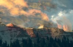 Incroyable, on dirait vraiment qu'il s'agit d'une vrai photo de montagnes ! #Minecraft
