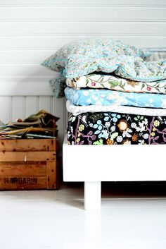 Princess and the pea inspired bed. Found via http://www.thebooandtheboy.com/