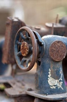 This Singer style Sewing machine was found in a lot with several other rusty items. Rust Never Sleeps, Rust In Peace, Aging Metal, Antique Sewing Machines, Ivy House, Peeling Paint, Rusty Metal, Rustic Charm, B & B