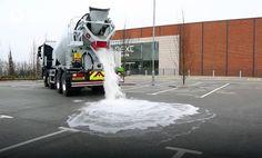 Bizar om te zien: beton dat water direct afvoert