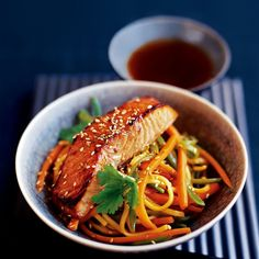 Japanese-style salmon with noodle stir-fry  This stir-fry is easy to prepare ahead. Trout fillets are delcious with this Japanese noodle recipe
