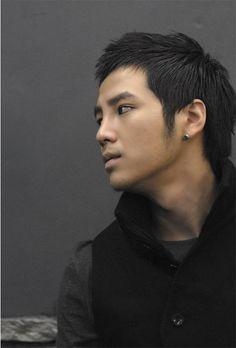 Jang Geun Suk. I like him better with short hair.